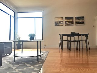 2BR: Modern Design, Ocean View, Fully Wired - San Francisco vacation rentals