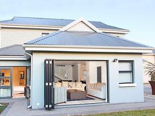 Modern 3 bedroom home in security development - Sedgefield vacation rentals