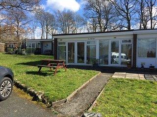 Lovely 2 bedroom chalet on quiet holiday park - Caernarfon vacation rentals