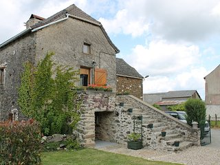 Stone Farmhouse w private pool, sleeps 10 - La Salvetat-Peyrales vacation rentals