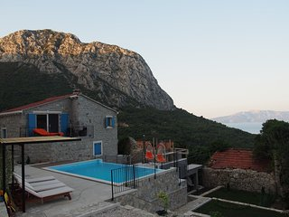 Gorgeous Villa with Internet Access and A/C - Zaostrog vacation rentals