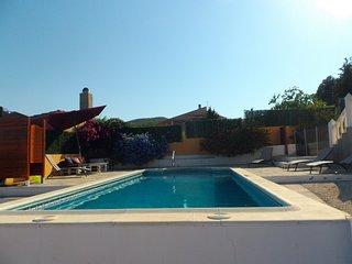Villa avec Piscine privée et vue spectaculaire - Montroy vacation rentals