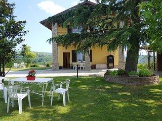 """""""Bellavista Langhe"""" Villa a Diano D'Alba - Alba vacation rentals"""