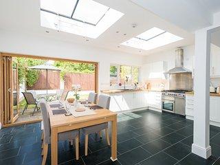 Lovely Central Headington Home with parking - Headington vacation rentals