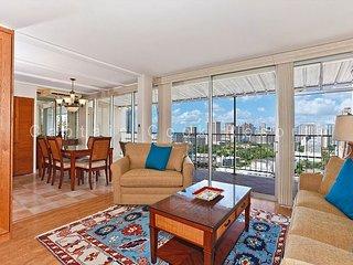 Large Penthouse One-Bedroom with Washlets, WiFi, AC, Parking - Sleeps 6 - Waikiki vacation rentals