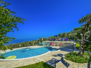 Nice Villa with Internet Access and A/C - Sant'Agata sui Due Golfi vacation rentals