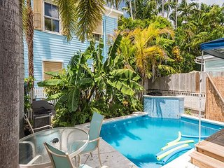 Poolside Suite - A Few Steps To Duval St! Pvt Parking & Shared Pool! - Key West vacation rentals