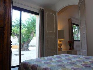 Charmante maison à la campagne, climatisée, jardin & parking privés à 10mn d'AIX - Ventabren vacation rentals