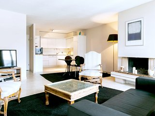 Charming 1 bedroom Geneva Condo with Central Heating - Geneva vacation rentals
