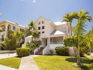 28 night minimum stay requirement 4 Bed 3 Bath house on water in Key Haven - Key West vacation rentals