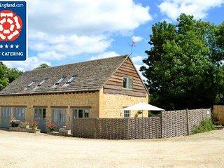 Luxury Cotswolds Cottage near Cheltenham - Shipton Oliffe vacation rentals
