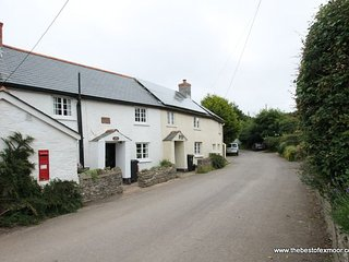 Syms Cottage, Cutcombe - Characterful and cosy cottage sleeping up to 4 on Exmoor - Wheddon Cross vacation rentals