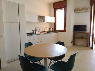 Bellaria centro, zona pedonale, ampio terrazzo - Bellaria-Igea Marina vacation rentals