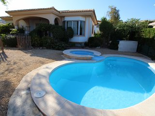 VILLA 34 - Alicante vacation rentals