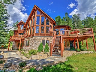 'Pine Spirits Ranch' Spectacular Family Friendly 4BR Evergreen Log Cabin w/Wifi, Stone Fireplace, Large Deck & Amazing Views- Close to Skiing, Hiking, Fine Dining & Shopping! - Evergreen vacation rentals