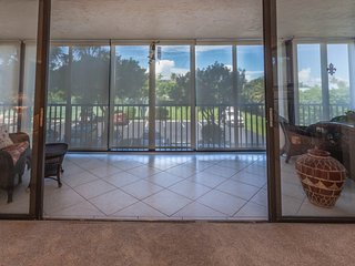 Gorgeous Condo with Internet Access and A/C - Bonita Springs vacation rentals