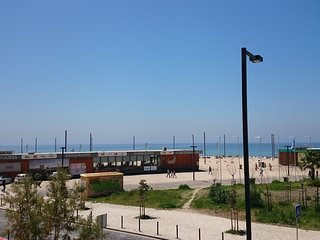 Apartamento T2 novo vista frontal mar beach - Costa da Caparica vacation rentals