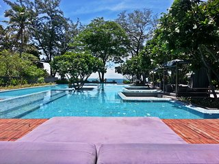 RCH60 Beachfront Hua Hin City Center Condo 2 bed - Hua Hin vacation rentals