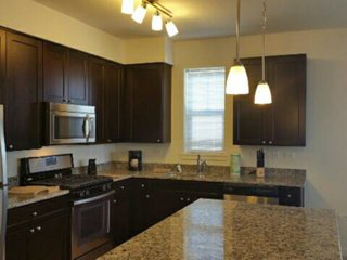 Furnished 2-Bedroom Apartment at Northgate Pkwy & Hudson Court Wheeling - Wheeling vacation rentals