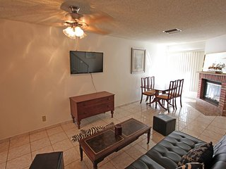 2BR/2.5BA Comfortable and Affordable Cozy New Town - Glendale vacation rentals