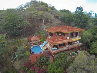 Casa Mirador - Pool w/ Water Slide & Swim up Bar - Manuel Antonio National Park vacation rentals