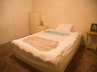Cozy room near Caltrain & Downtown - South San Francisco vacation rentals