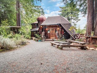Whimsical, unique cottage  - unplug & get away from it all! - Mendocino vacation rentals