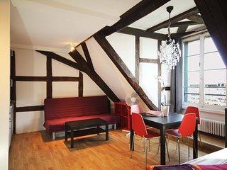 LU Mars IVb - Chapel bridge HITrental Apartment Lucerne - Lucerne vacation rentals