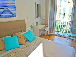 Romantic 1 bedroom Nice Condo with Internet Access - Nice vacation rentals