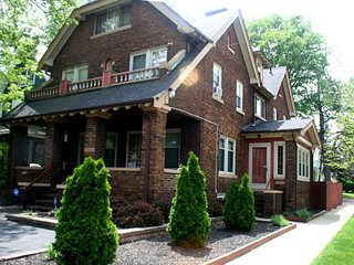Corporate Housing Short- Term - 2 BDRM - Cleveland vacation rentals