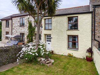 THE NEST character terraced cottage, close to amenities, Redruth, Ref 940260 - Redruth vacation rentals