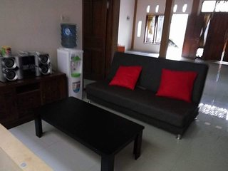 Beautiful 6 bedroom House in Sleman with Internet Access - Sleman vacation rentals