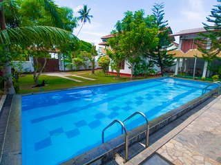 Casa Hikka Villa 5 Bed Rooms With Swimming Pool - Hikkaduwa vacation rentals