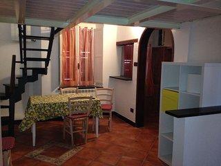 Bilocale nuovo in Centro Storico 4 posti letto - Albenga vacation rentals