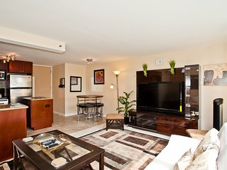 """Luxurious 1 bedroom with free wifi & 55"""" TV - Honolulu vacation rentals"""