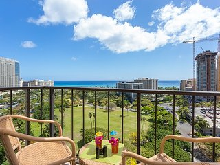 Ocean View Penthouse Floor 2 Lanais, Washer/Dryer - Honolulu vacation rentals
