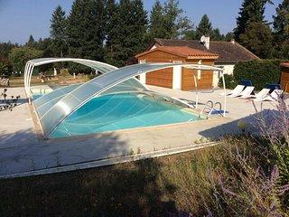 Meublé de tourisme avec piscine et etang de pêche - Augignac vacation rentals