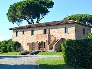 Luxury Villa with Air-Con. Large Pool. Sleeps 18. - Cortona vacation rentals