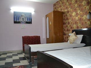 Triple Bed Family Room - New Delhi vacation rentals