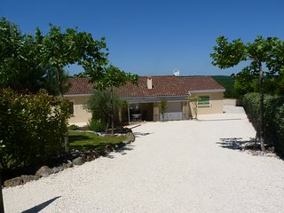 3 bedroom Villa with Housekeeping Included in Lachapelle-Auzac - Lachapelle-Auzac vacation rentals