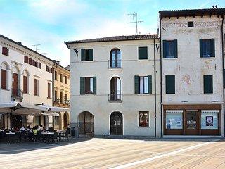 Piazza Grande Home in the garden of Venice - Oderzo vacation rentals