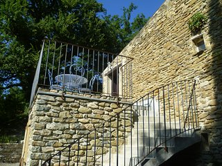 Les Beaux Chenes-Pont de Barret-Rural stonebuilt 'Mas' with pool (Le Barronier) - Pont-de-Barret vacation rentals