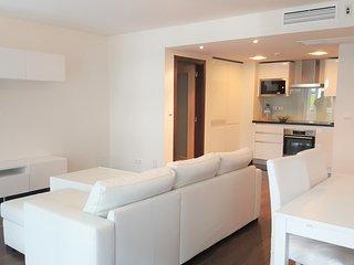 Apartamento T1 novo junto ao mar beach - Costa da Caparica vacation rentals