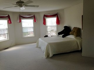 Very Lg Mstr Bdrm W/Pvt Bath Close To Devon Horse - Devon vacation rentals