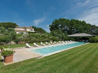 Bright 9 bedroom Marsiliana Villa with Internet Access - Marsiliana vacation rentals