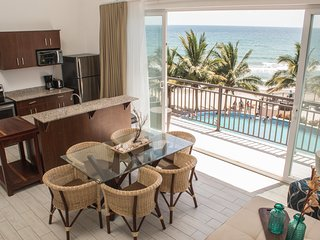 Playa Escondida Penthouse G3 - Tela vacation rentals