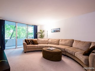 Furnished 1-Bedroom Apartment at River Rd & Clipper Ln Bethesda - Bethesda vacation rentals