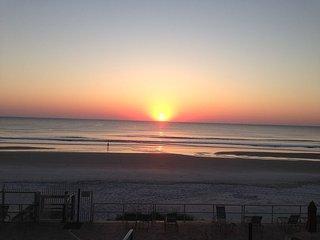 2 bedroom Apartment with Internet Access in Daytona Beach - Daytona Beach vacation rentals