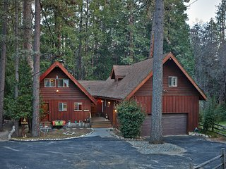 Creekside Lodge Idyllic Masterpeice With Large Deck On Strawberry Creek! - Idyllwild vacation rentals