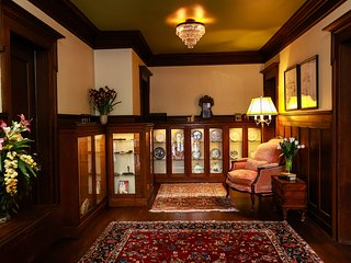 300 Clifton : Hisotric Eugene Carpenter Mansion #4 - Minneapolis vacation rentals